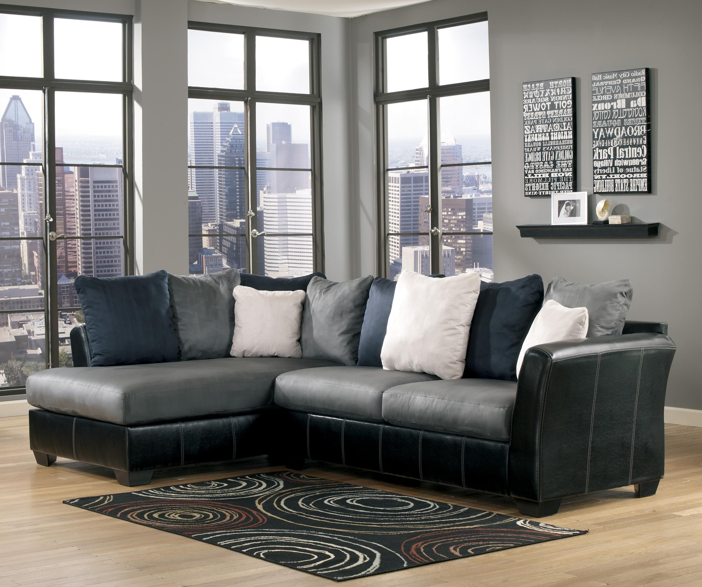 Cobblestone 2-Piece Sectional With Chaise By