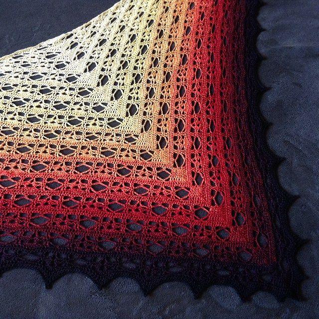 Free Pattern Fallen Autumn Leaf Crochet Wrap 1001