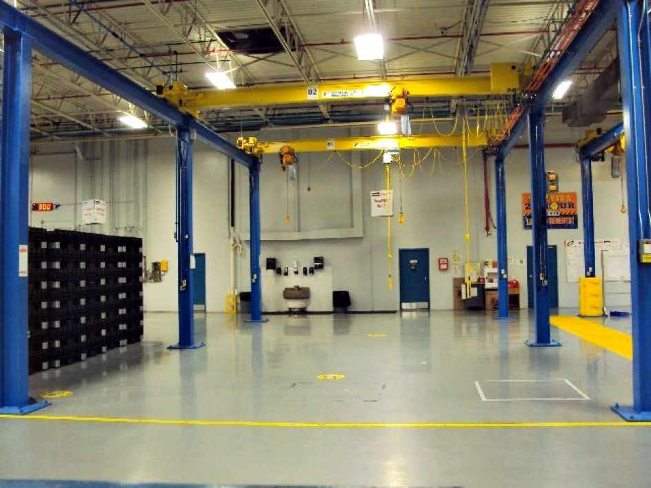 2007 North American Industries, Inc. Free Standing Crane