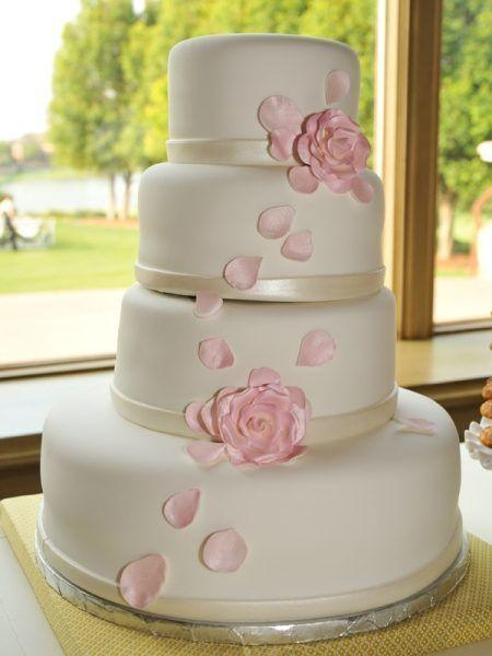 Tort De Nunta Elegant Cu Trandafiri Roz Idei De Nunta Torturi