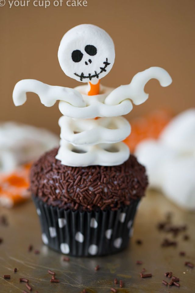 32 Seriously Cute Halloween Cupcake Ideas Pinterest Skeletons