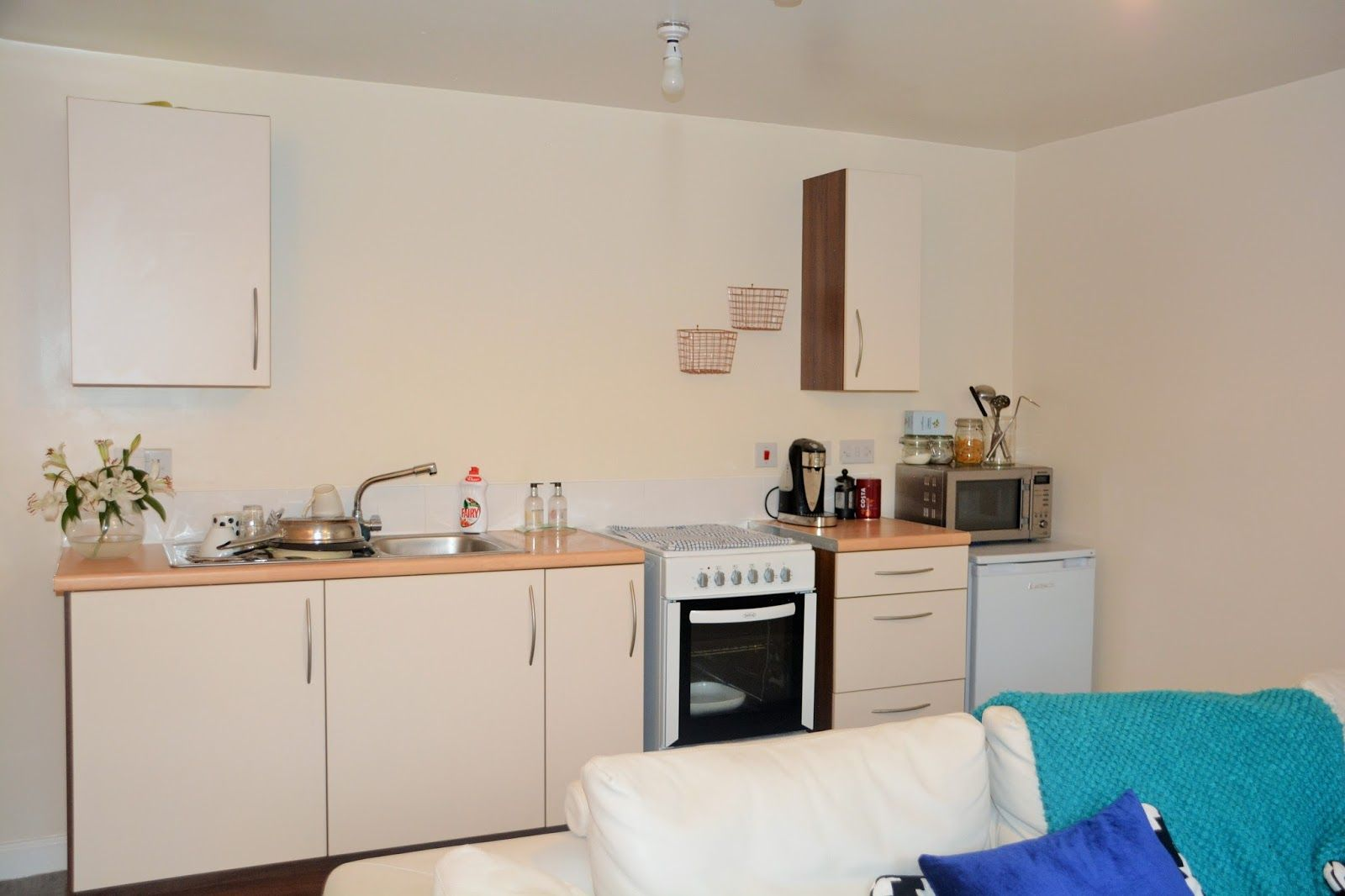 My Kitchen Makeover With D-C-Fix Part 1- From The Begining* - BIN ...
