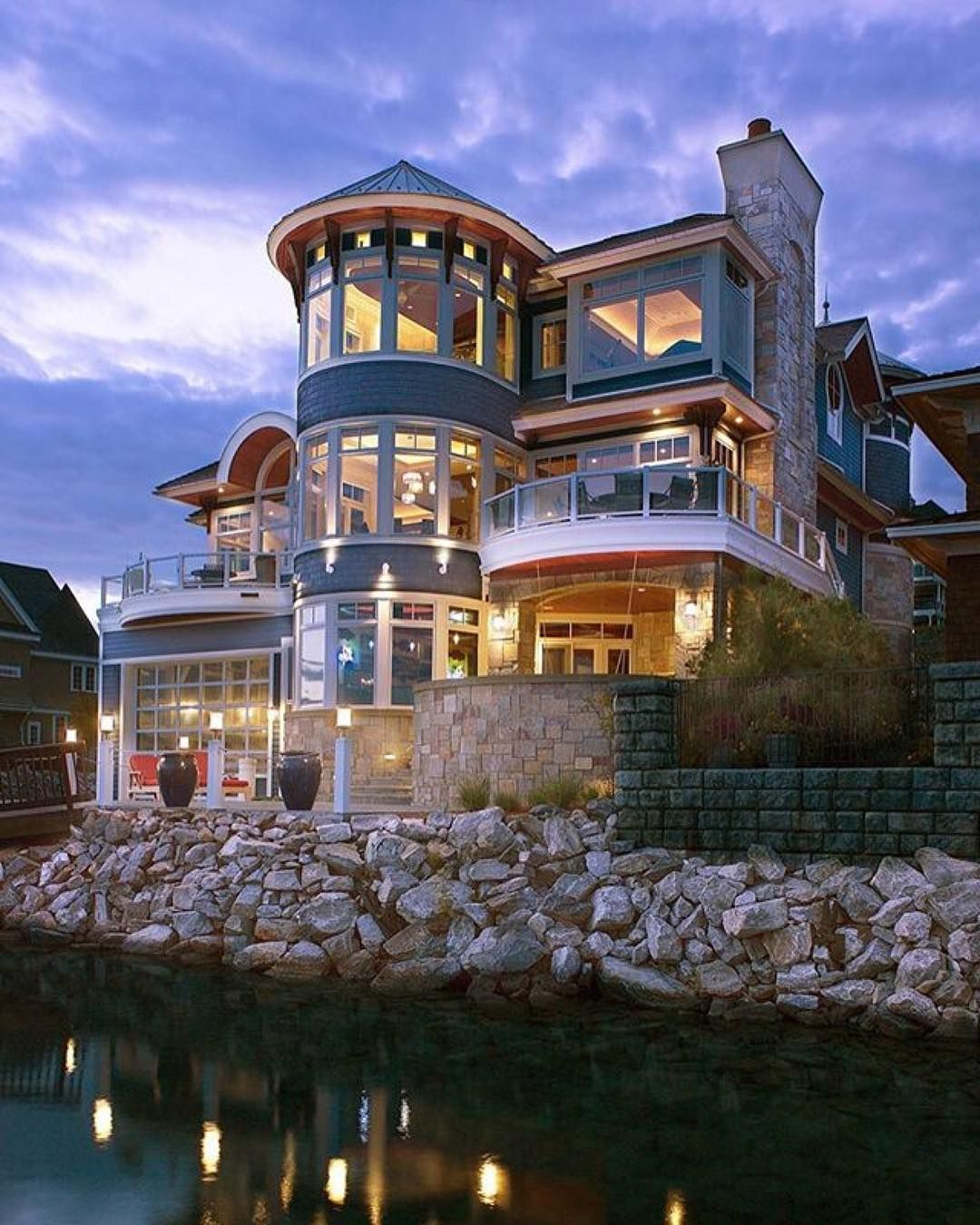 Lake Michigan Luxury Homes: Real Estate (@therealestatepage) On
