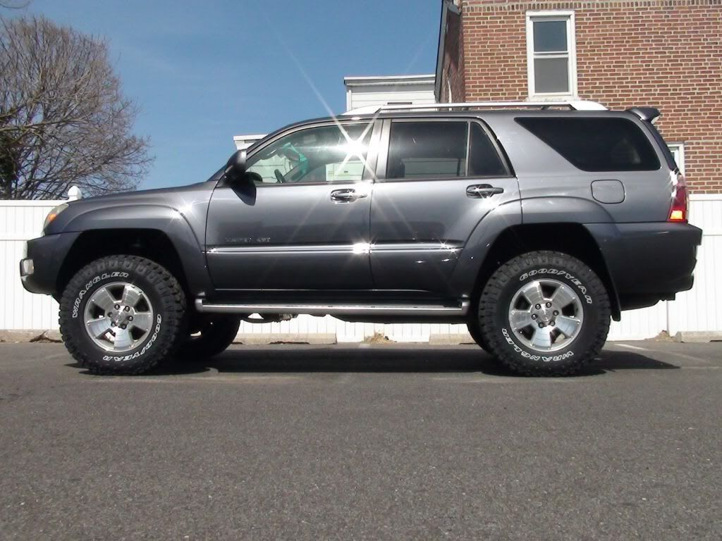 Toyota 4 runner with big wheels post em up