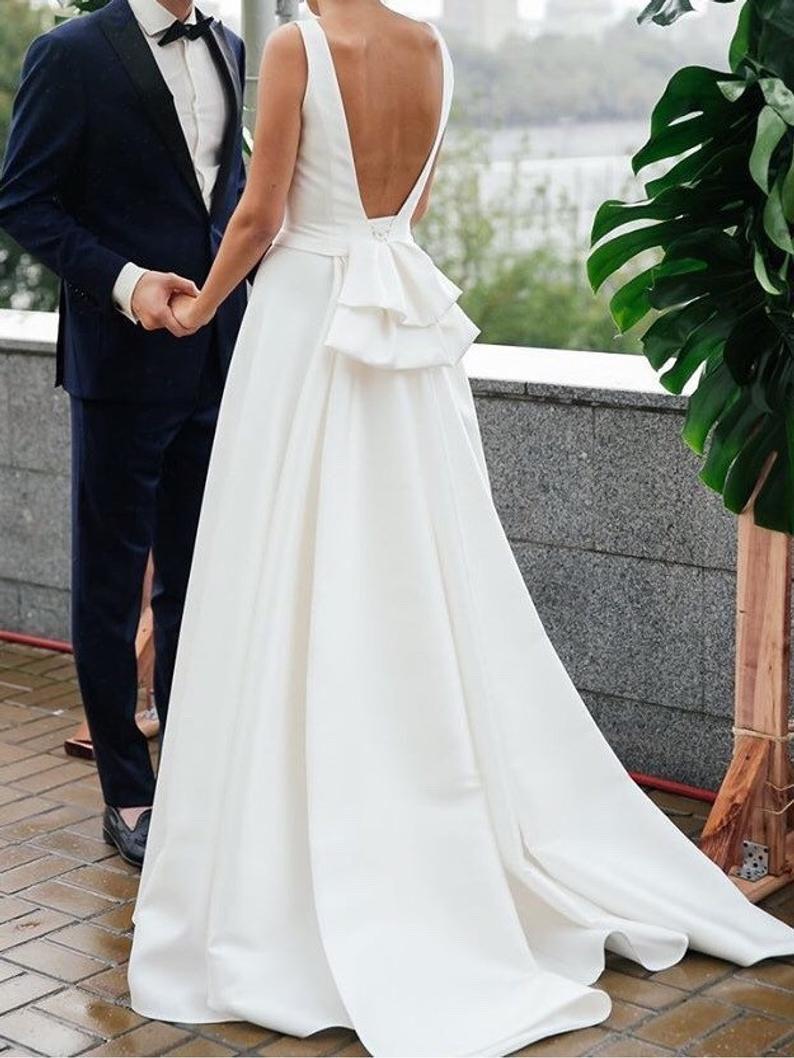Modern Wedding Gown Modern Wedding Dress Simple Stylish Etsy In 2021 Long Train Wedding Dress Wedding Dresses Simple Modern Wedding Dress [ 1058 x 794 Pixel ]
