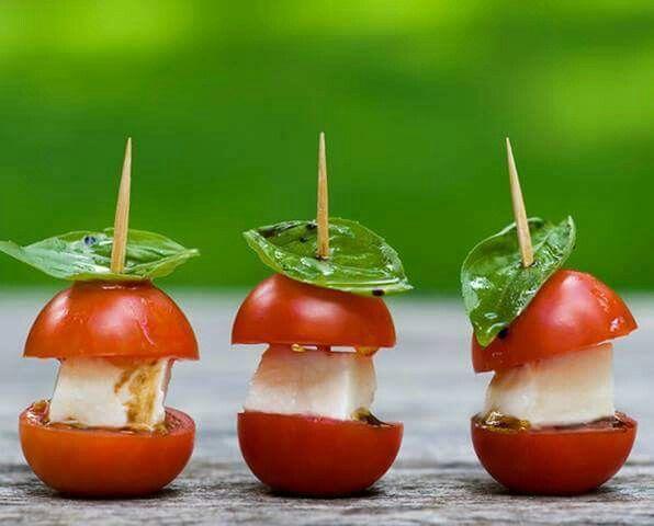Mozzarella, vinaigre balsamique, basilic... ...