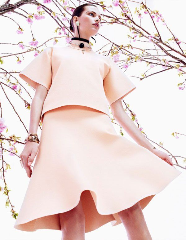 Bette Franke is Pretty in Pink for Vogue Japan August 2013 by Sharif Hamza | Fashion Gone Rogue: The Latest in Editorials and Campaigns