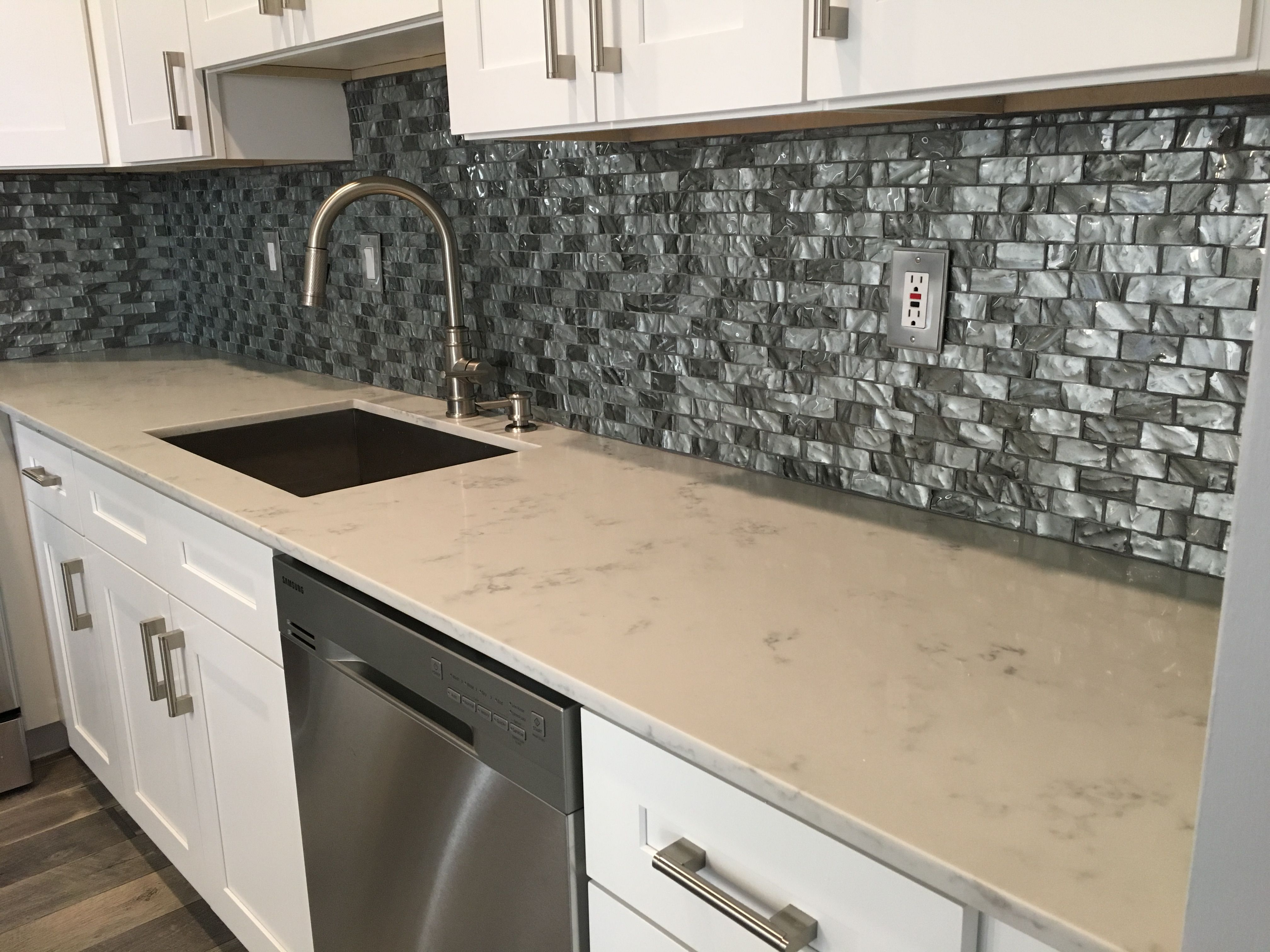 Carrara Grigio Quartz Quartz Countertops Kitchen Cabinets And