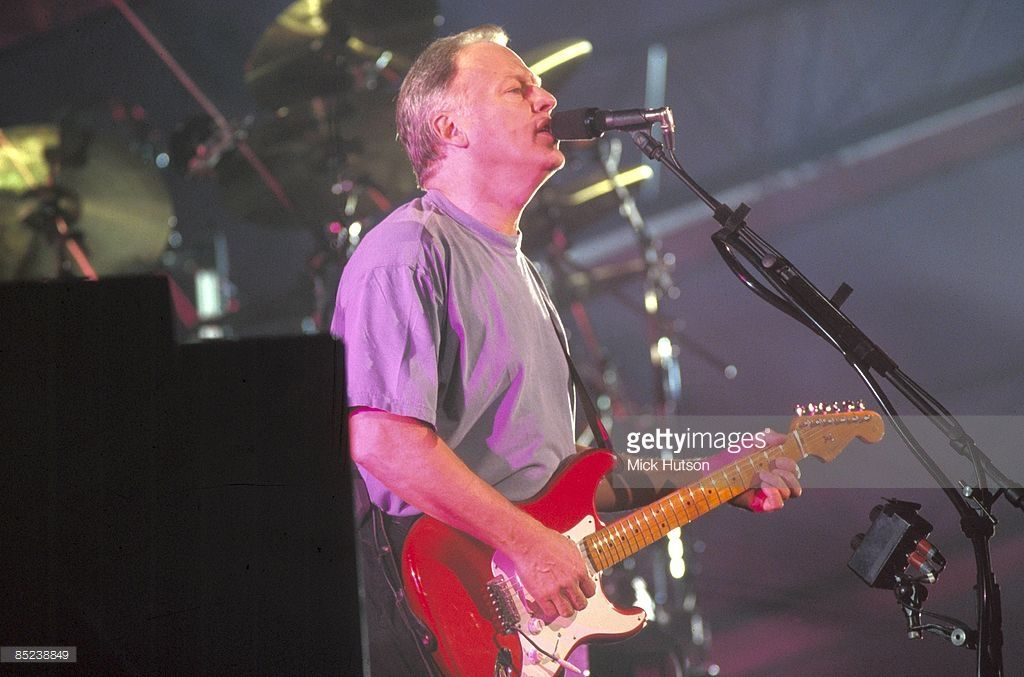 COURT Photo of PINK FLOYD and David GILMOUR, David Gilmour (Dave Gilmour) performing live onstage on Division Bell Tour