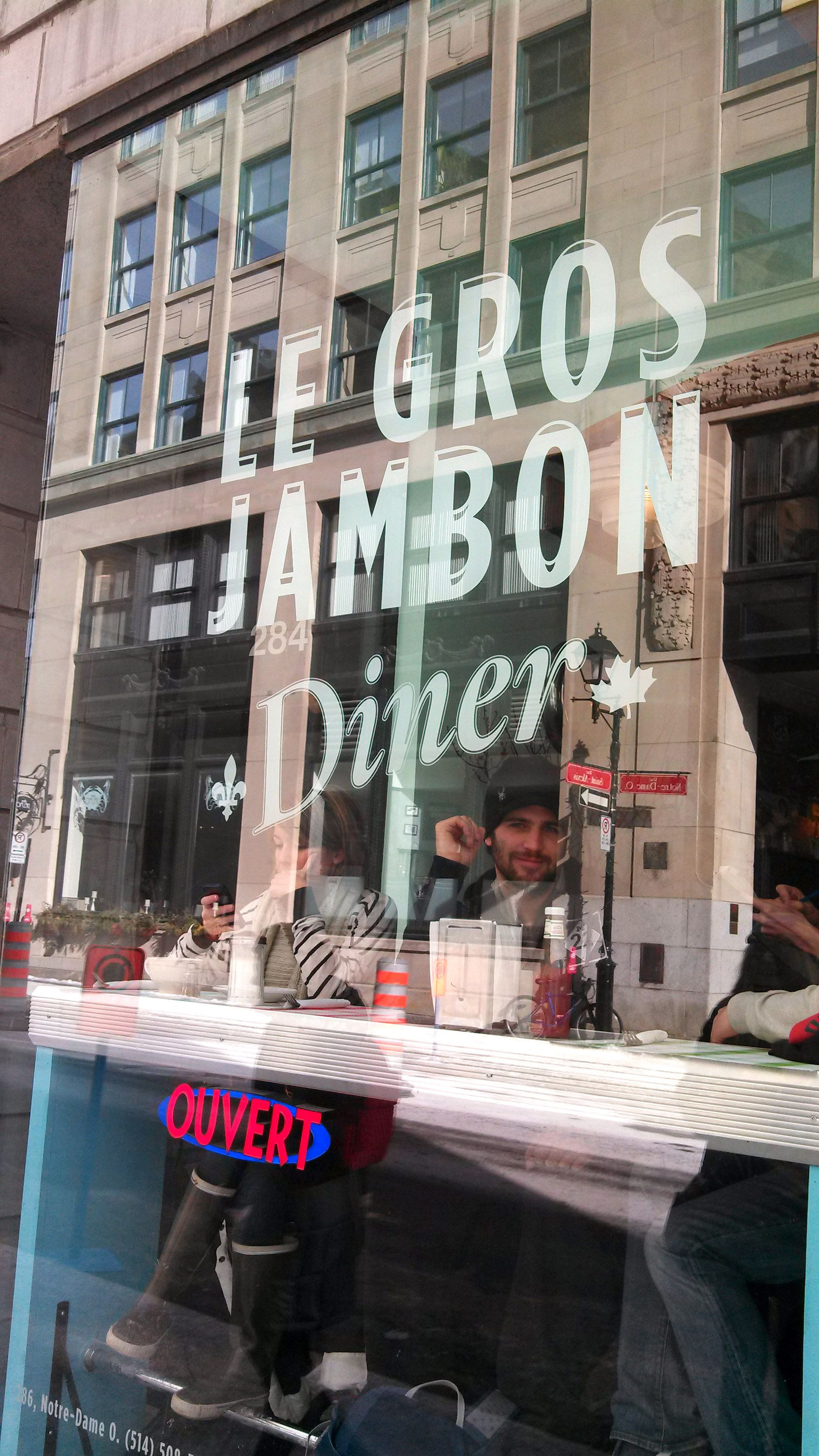 Le Gros Jambon - Montreal - Awesome Fried Chicken & Waffles