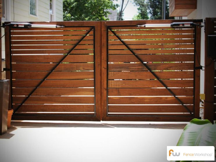 The skyline horizontal board wood privacy fence for Wooden driveway gates designs