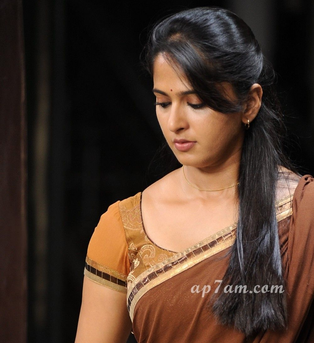anushka shetty hamara photos