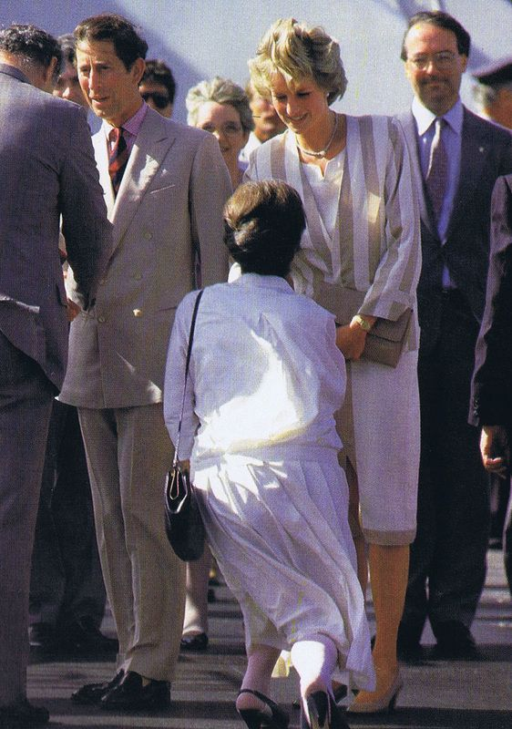 November 13, 1985: Prince Charles & Diana at Palm Beach International Airport in West Palm Beach, Florida before their departure from the United States.