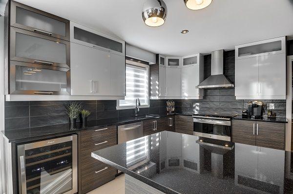 choisir son comptoir de pierre granit quartz ou dekton cuisine pinterest kitchens. Black Bedroom Furniture Sets. Home Design Ideas