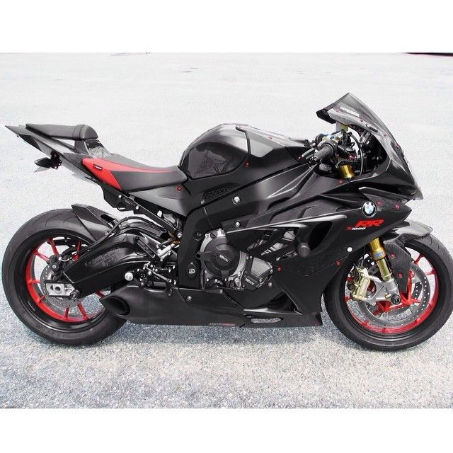 epic bmw s1000rr taylormade exhaust tag a bmw fan winter. Black Bedroom Furniture Sets. Home Design Ideas