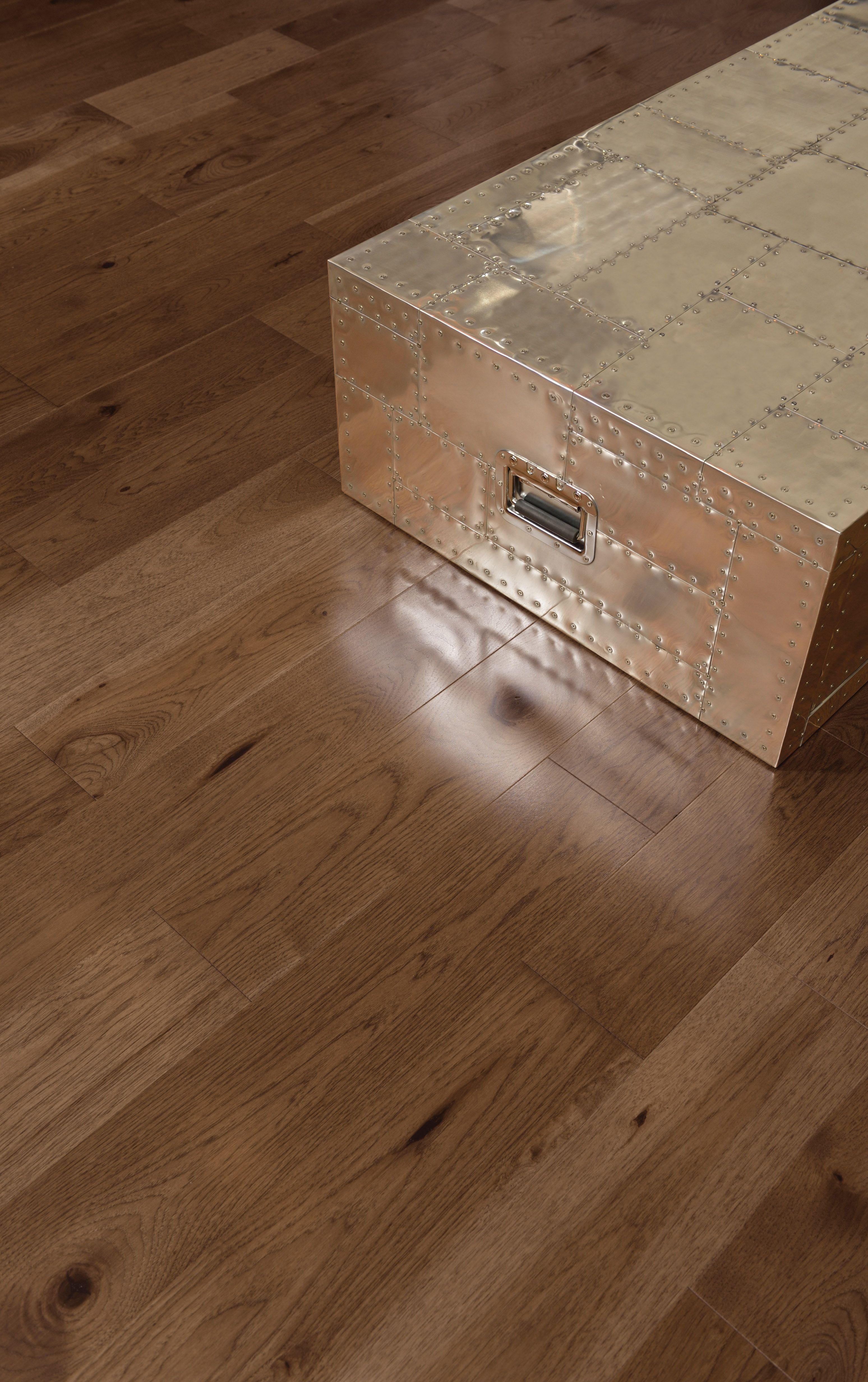 Collection Admiration Plancher de bois franc fait de hickory de couleur Umbria Bois franc  # Plancher Bois Franc