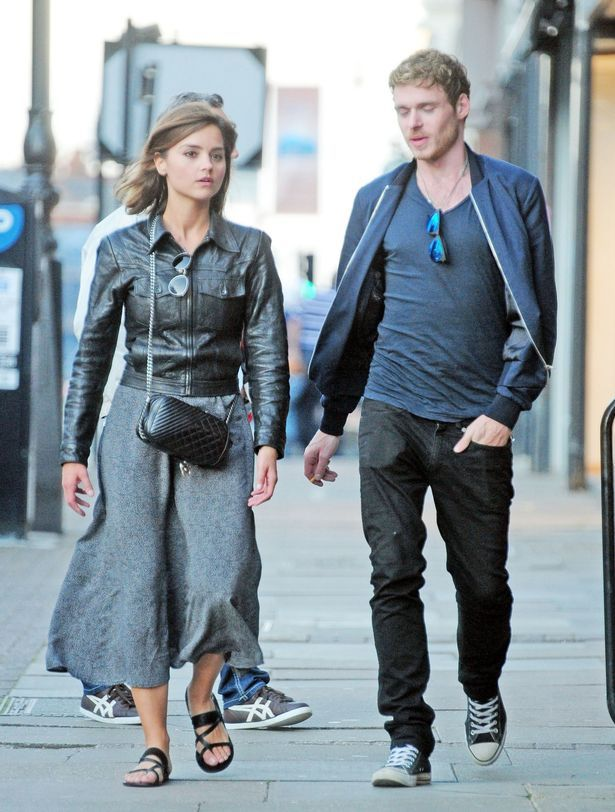 36c28eb42a8 Back on  Jenna Coleman and Richard Madden spotted holding hands
