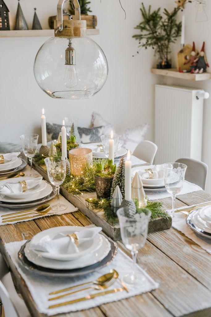 Weihnachtliche Tischdekoration zu Heiligabend • Pomponetti #weihnachtlichetischdekoration