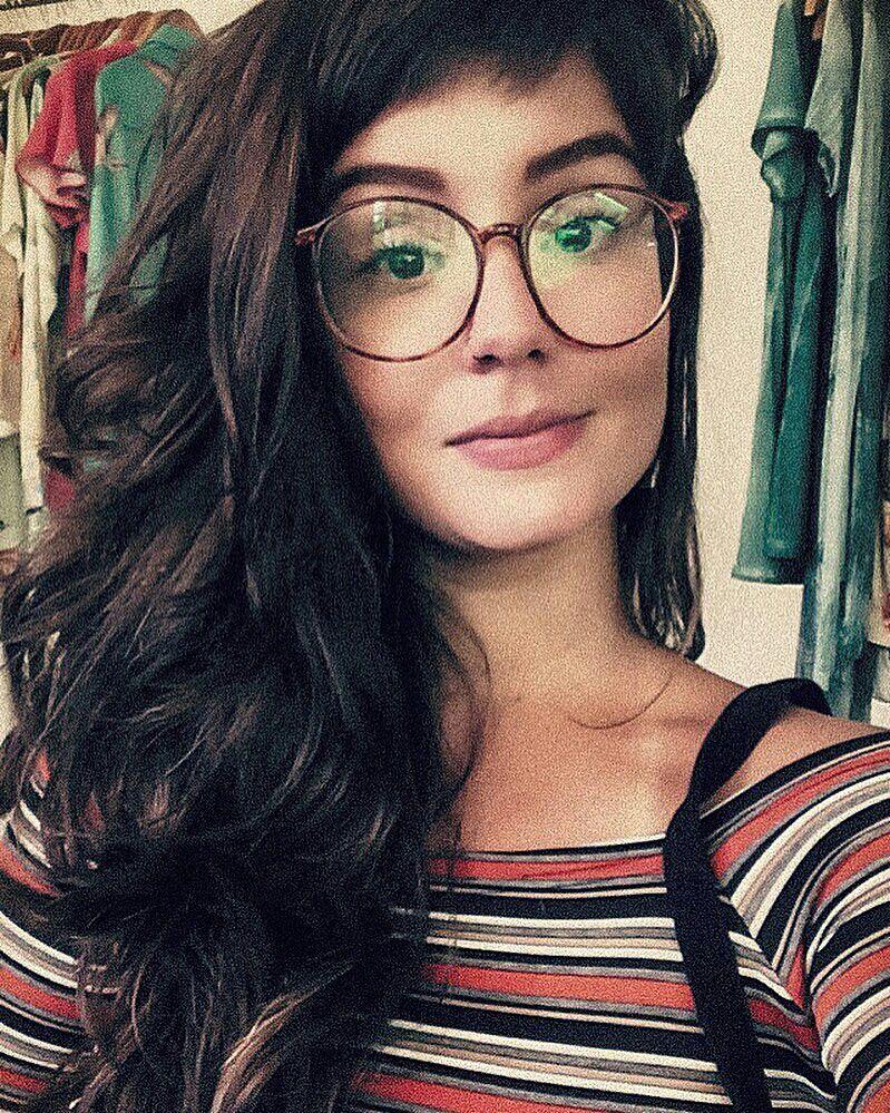 4e01a194b8072 Thais Dutra Sá (thaisdutrasa)   óculos em 2019   Pinterest   Briller