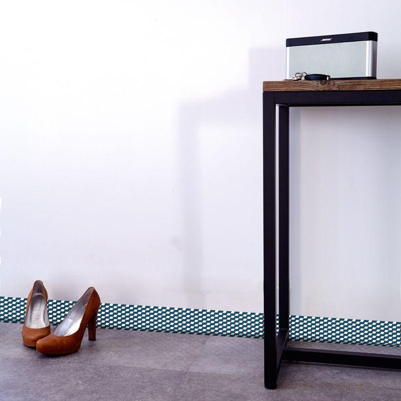 ma plinthe d co enfin des plinthes d coratives pas cher et faciles poser entrees and hall. Black Bedroom Furniture Sets. Home Design Ideas