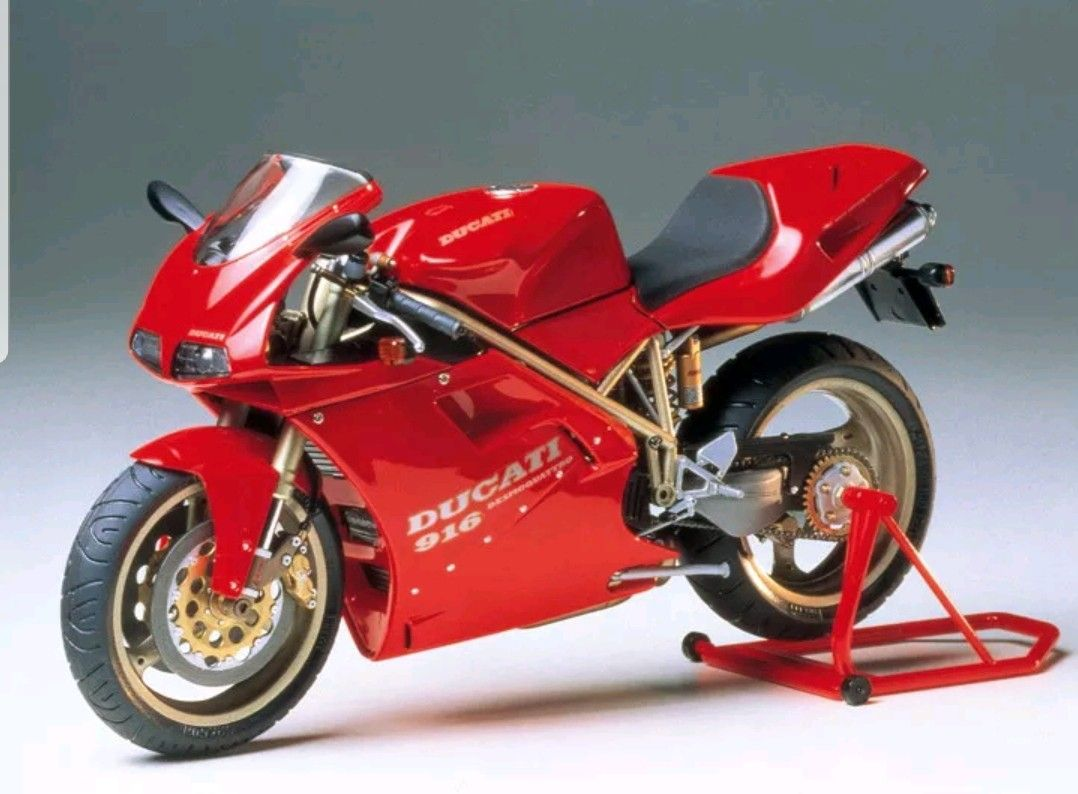 Pin By Jamie Grimes On Scale Model Cars Trucks Customs Etc Ducati 916 Ducati Motorcycle Model