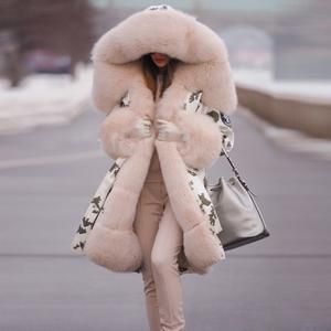 Luxury Womens Long Faux Fur Outwear Stage Winter Warm Outwear Coat Europe Jacket