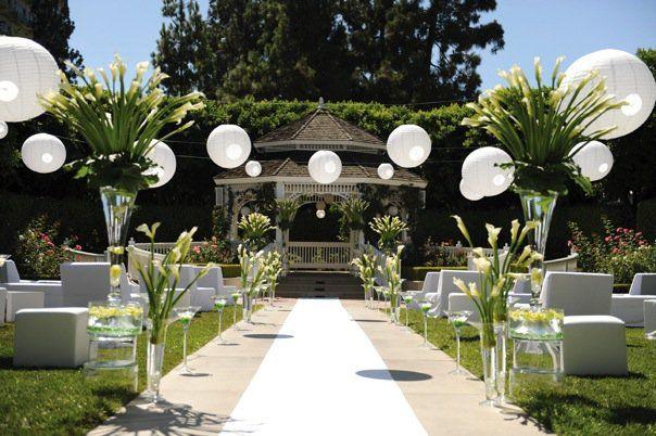Disneyland David Tutera Wedding Design! Lovely!