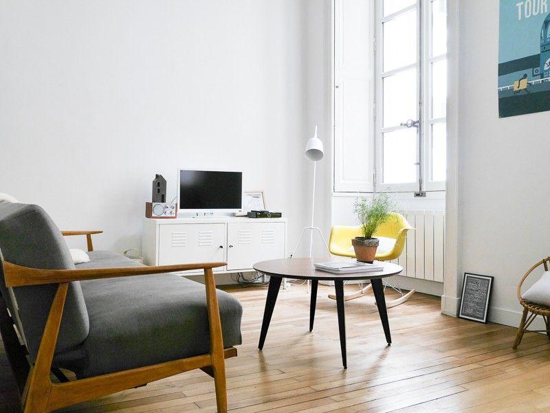 Un Joli Appartement A Nantes Deco Table Basse Decoration Salon Et Appartement