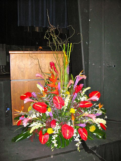 Podium Floral Podium Stage Pieces Amp Plantscaping Floral Floral Arrangements Floral Wreath