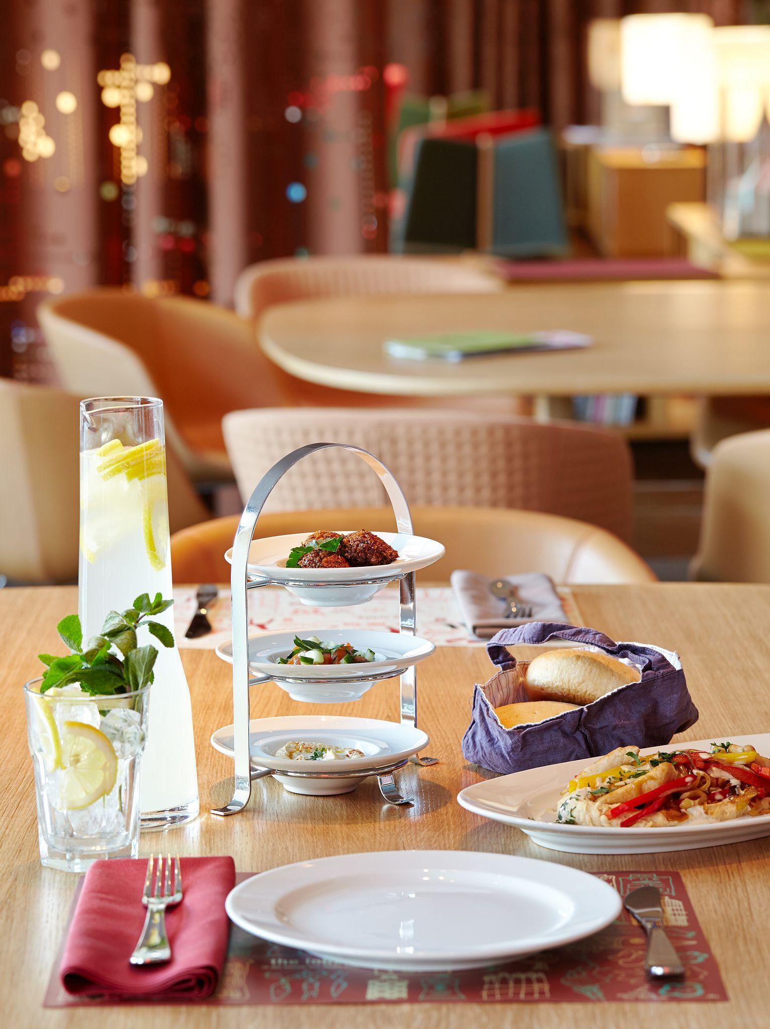 Neni Restaurant Im 25hours Hotel Zurich West Hotel Zurich Hotel Restaurant