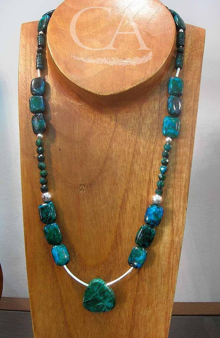 3a2c5781ea26 Collar de Criscocola y plata de Ley. Joyería Artesanal. Diseños Glíptica.  Chrysocolla and Sterling Silver necklace. Handmade jewelry. Glíptica  Designs.