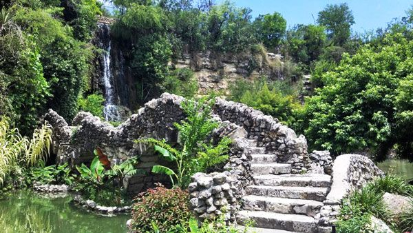 Charming About Town: Japanese Tea Garden #SanAntonio #JapaneseGarden #Travel