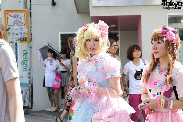 6% dokidoki- real life girls dressing up similar to cute dolls!