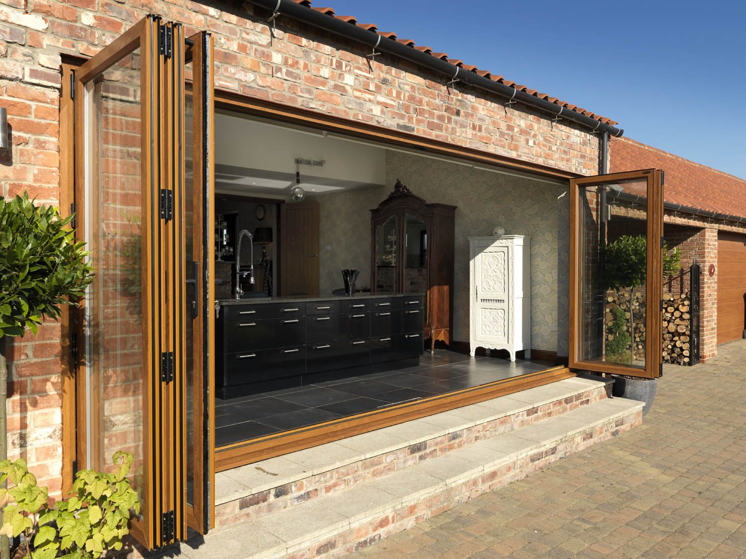 Gentil Folding Patio Doors With Screens