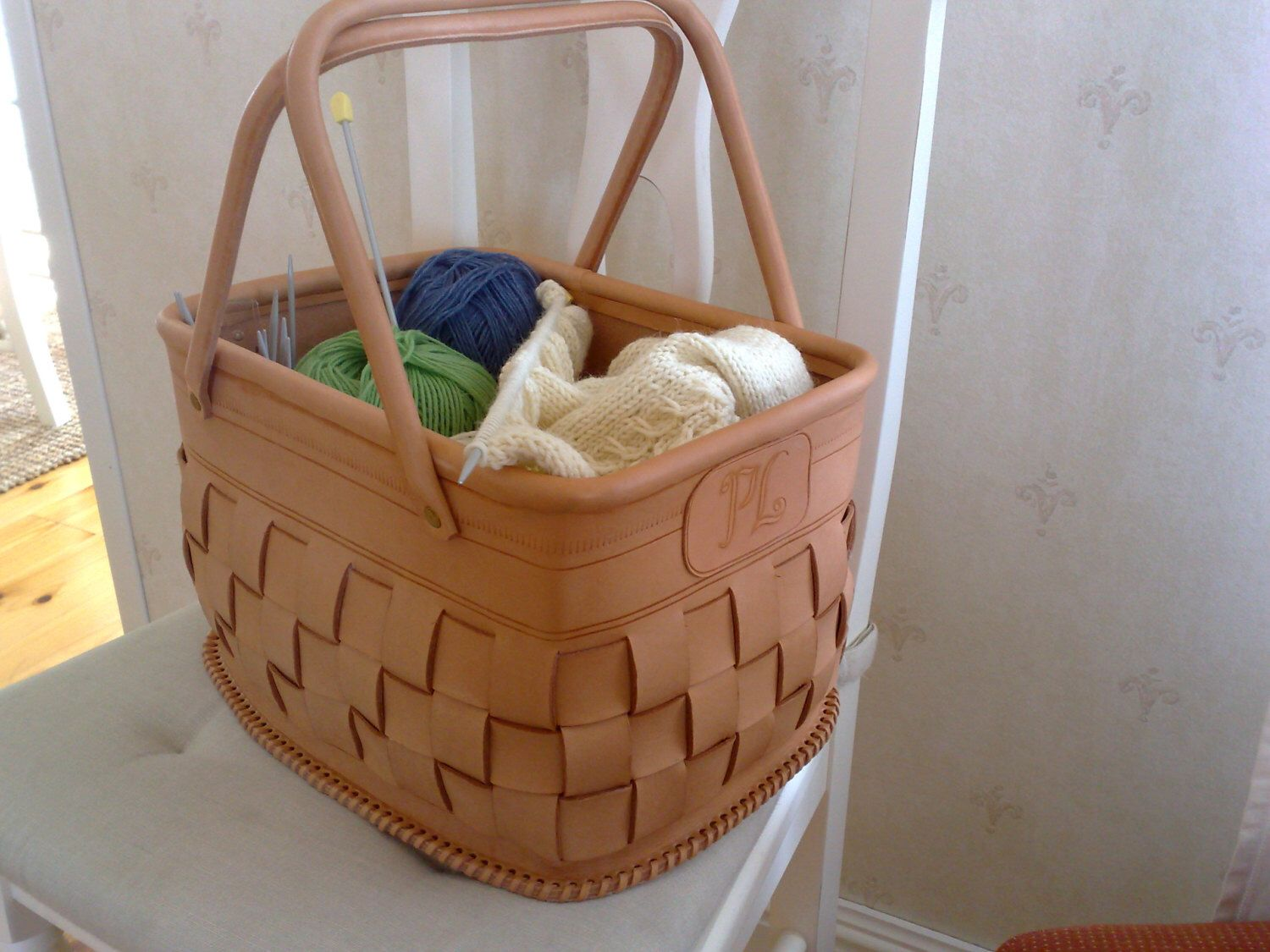 Small leather basket by LeatherAntti on Etsy https://www.etsy.com ...