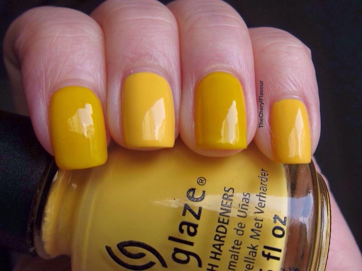 OPI Need Sunglasses?: Index Finger, Ring Finger China Glaze Metro Pollen-Tin: Middle Finger, Pinky
