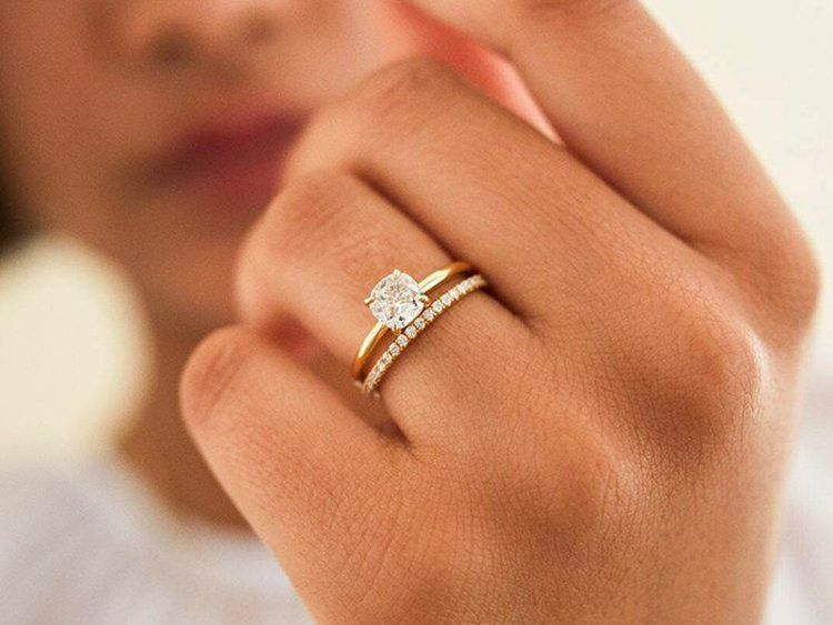 This online startup is challenging the traditional jewelry industry with conflict-free diamonds and custom engagement rings