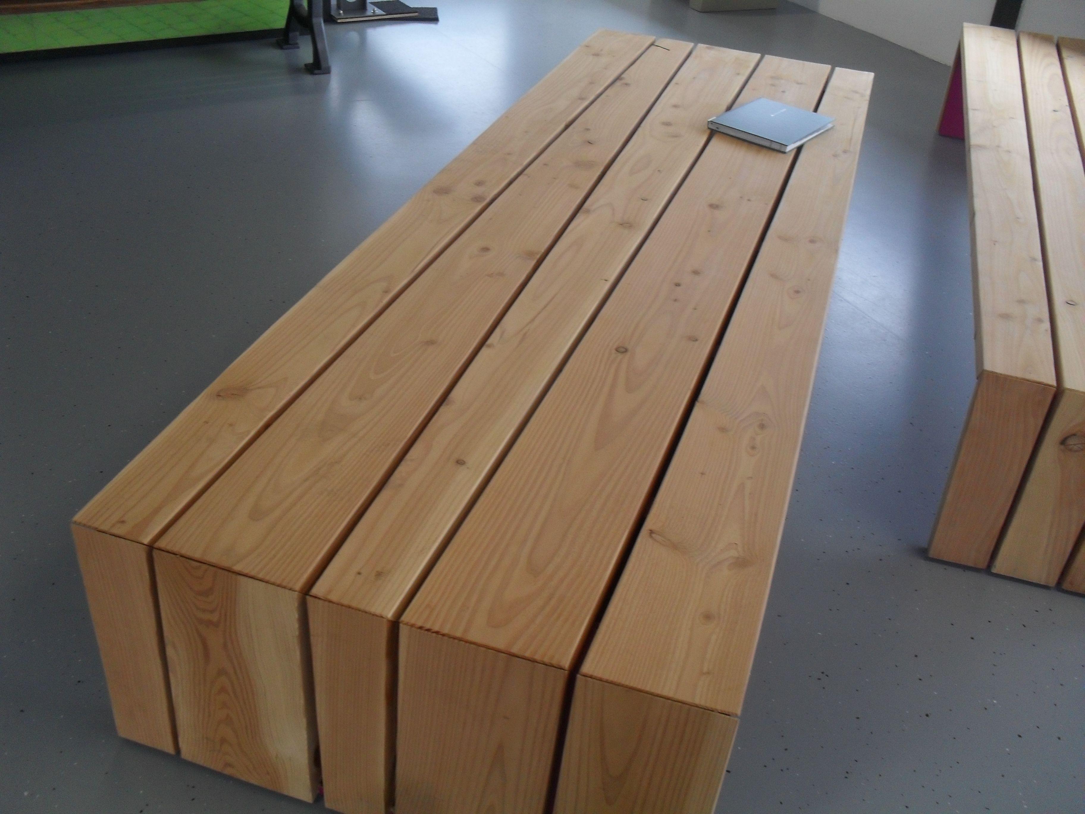 titel bankje hout balken bron lbw knubben plaats grijsen hout