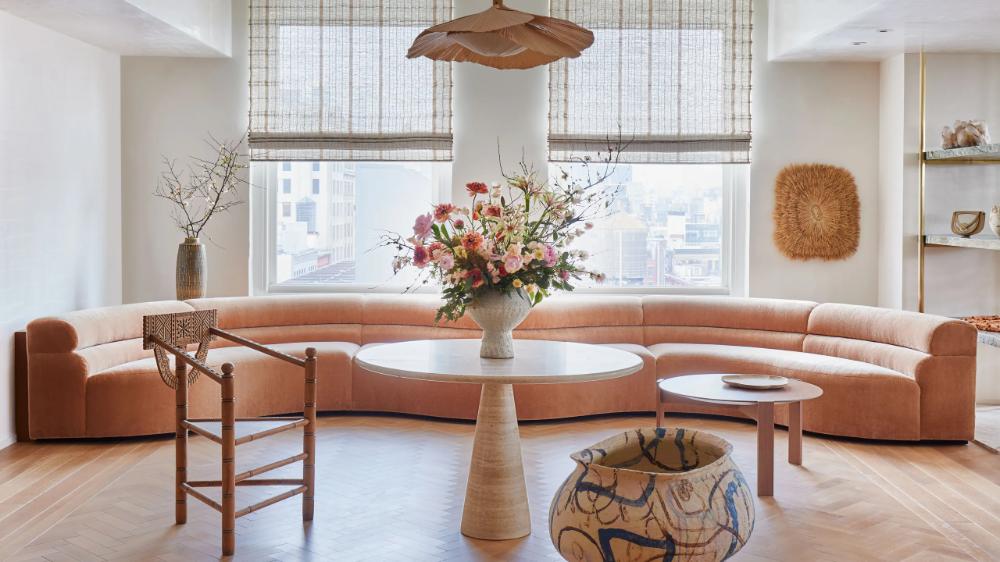 Look Inside Ulla Johnson S Manhattan Showroom Designed By Rafael De Cardenas In 2021 Showroom Design Design Decor Interior Design