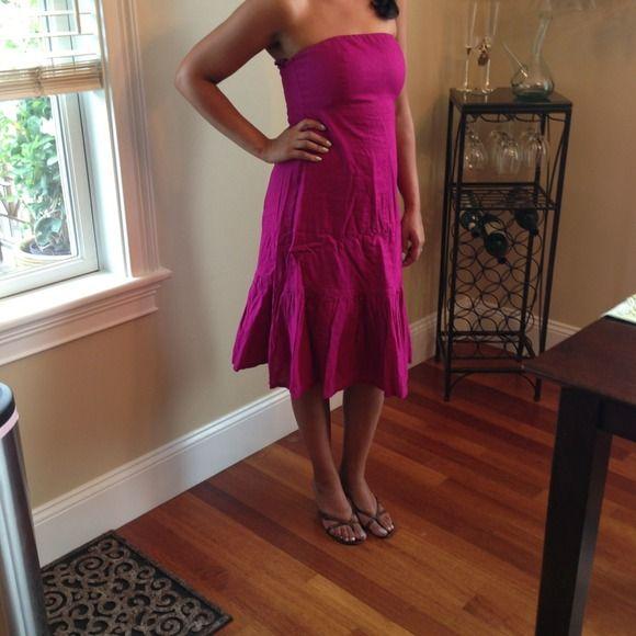 GAP fuchsia summer dress Gap fuschia strapless cotton dress with slightly flared bottom. Very comfortable. Sz4. Worn once. GAP Dresses
