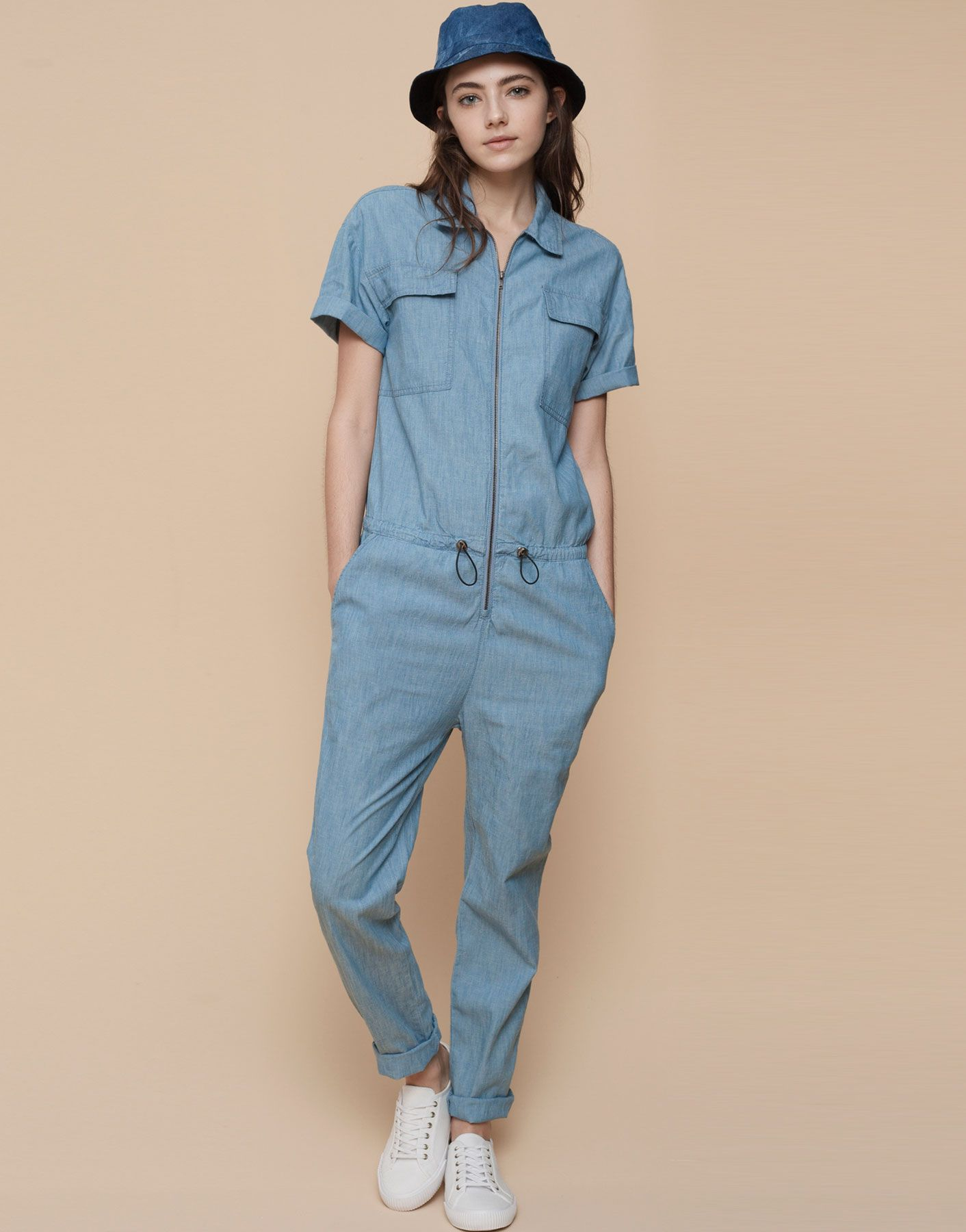 401377d8f4fe DENIM JUMPSUIT - DUNGAREES AND JUMPSUITS - WOMAN - PULL BEAR Serbia ...