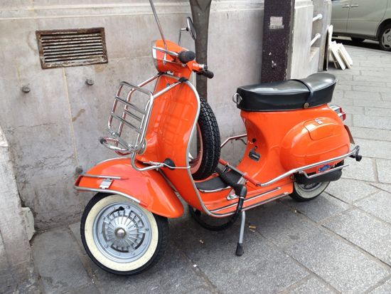 vespa 125 primavera ciao paris rental scooter pinterest vehicule. Black Bedroom Furniture Sets. Home Design Ideas
