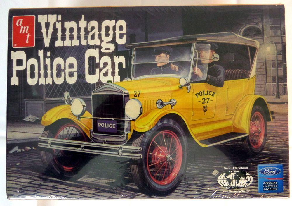 AMT Vintage Police Car Forld T 1927 Scale 1/25 Model Kit