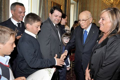 1 giugno 2012, consegnati gli attestati d'onore di Alfiere della Repubblica a 3 giovani livignaschi.  http://www.ilovelivigno.com/liv/2012/06/consegnati-gli-attestati-donore-di-alfiere-della-repubblica/