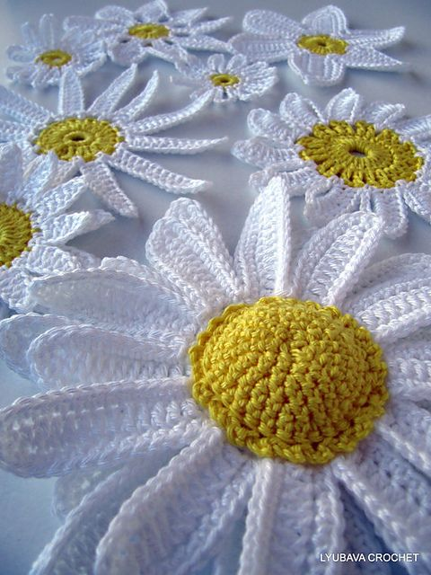 Daisy Flowers pattern by Lyubava Crochet   Tejido, Flores y Ganchillo
