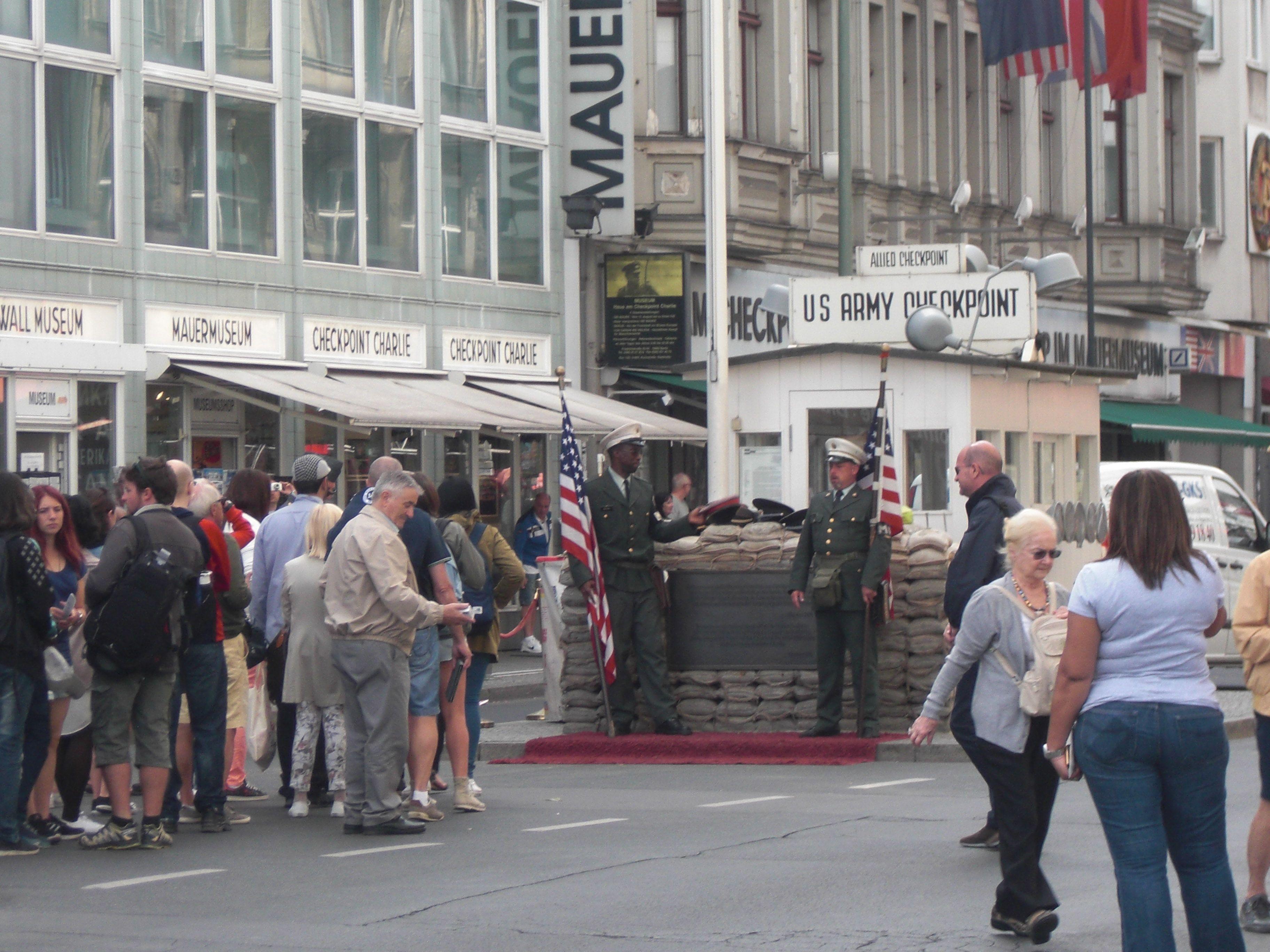 Checkpoint Charlie - Berlín - Alemania