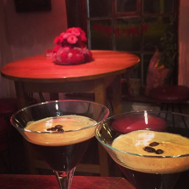 Espresso martini seems to be the darling of the diningroom tonight! Once 1 went out everyone wanted one! #martinimonday #portfairy by merrijigkitchen