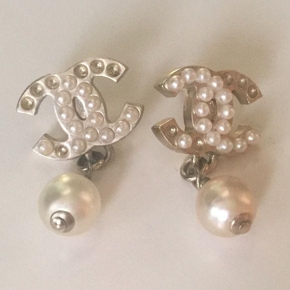 SOLD!!!🤑👍🏻Chanel earrings Chanel earrings, Chanel