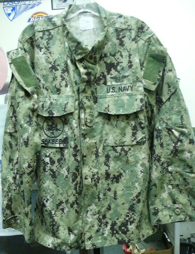 navy working uniform type 3 this one has an airwarfare breast