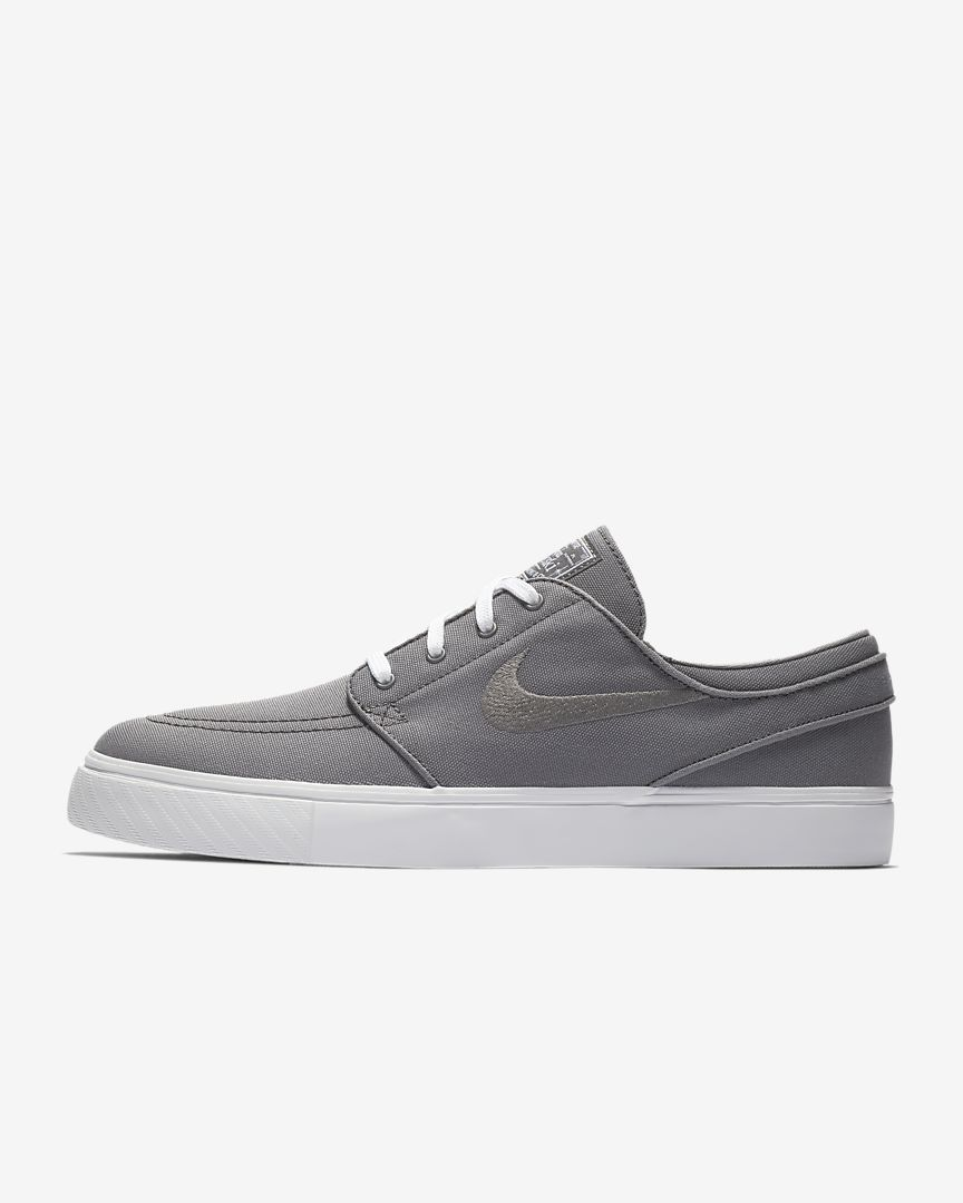 0c517955a935e Nike SB Zoom Stefan Janoski Canvas Men s Skateboarding Shoe